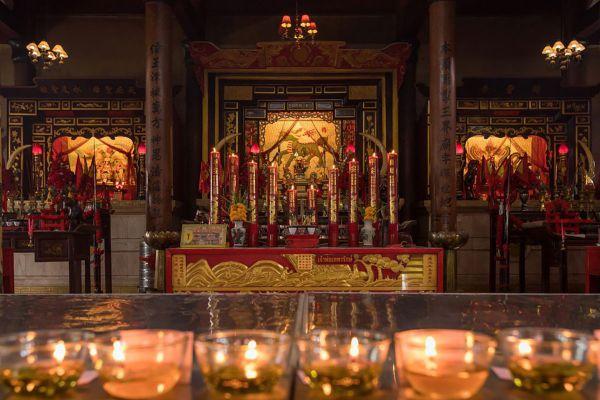 Chao Por Thepharak Chao Mae Thapthim Shrine