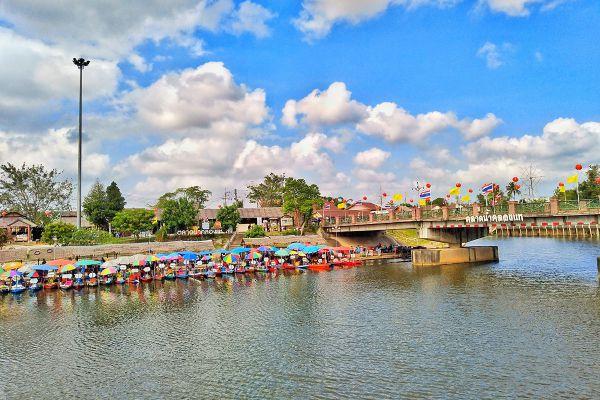 Klong Hae Floating Market