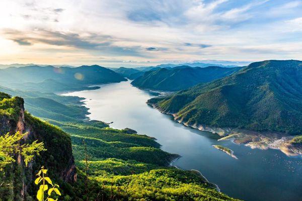 Pha Daeng Luang Viewpoint