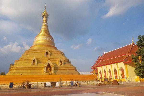 Wat Phra Borommathat Chediyaram