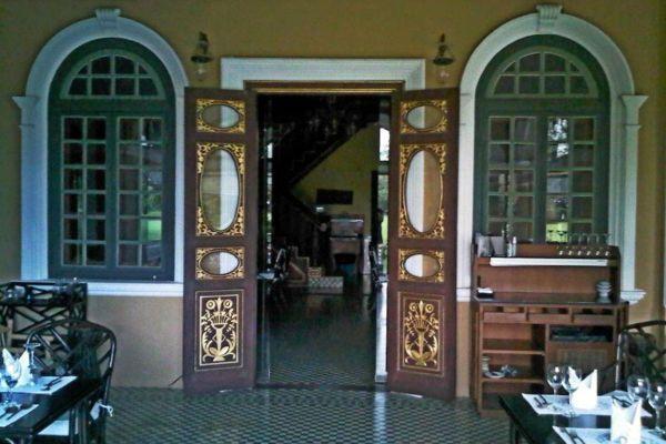 Chinpracha House