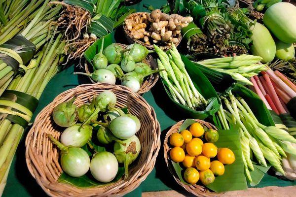 Lad Tainod Green Market