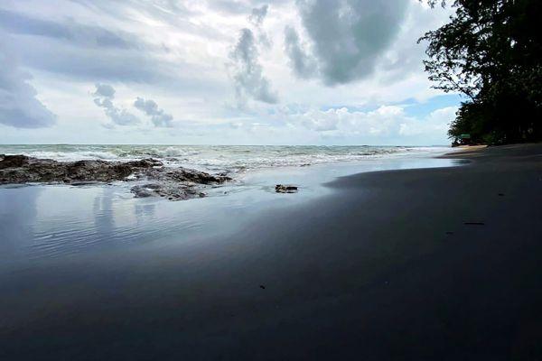 Nang Thong Beach