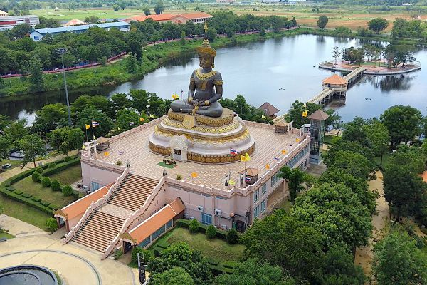 Phetbura Buddhist Park