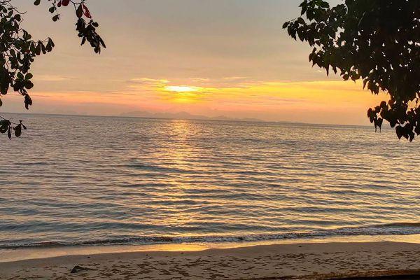 Loh Dalum Bay
