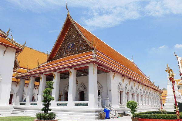Wat Mahathat Yuwaratrangsarit Ratchaworamahawihan