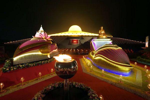 Dhammakaya Temple
