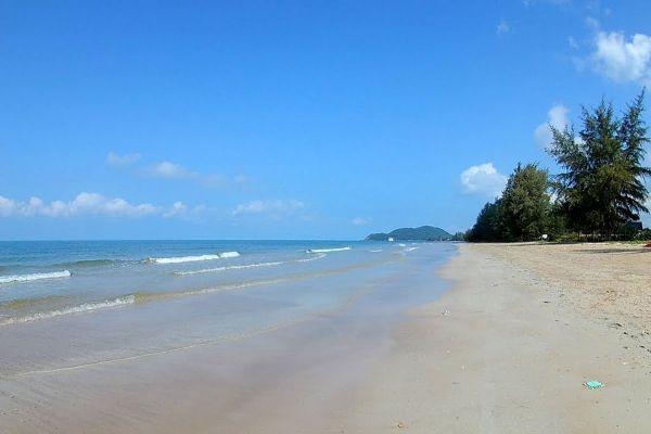 Chao Lao Beach