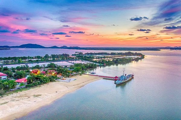 Samet Ngam Shipyard