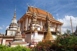 100-Column-Pagoda-Kratie-Cambodia-002.jpg