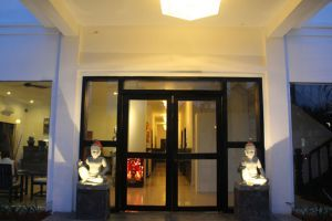 288-Boutique-Villa-Siem-Reap-Cambodia-Entrance.jpg