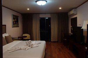 Abricole-Resort-Pattaya-Thailand-Room.jpg