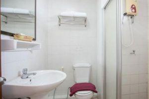 Aiyapura-Hotel-Bangkok-Thailand-Bathroom.jpg