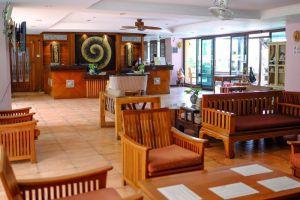 Aiyaree-Place-Hotel-Pattaya-Thailand-Lobby.jpg