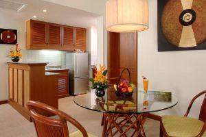 Allamanda-Laguna-Phuket-Thailand-Dining-Room.jpg