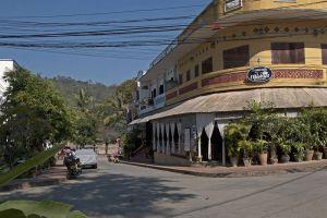 Alounsavath-Guesthouse-Luang-Prabang-Laos-Exterior.jpg