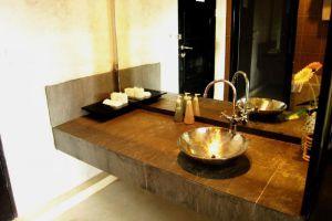 Amarin-Resort-Samui-Thailand-Bathroom.jpg