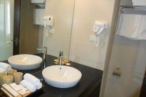 Amazing-Hotel-Sapa-Vietnam-Bathroom.jpg