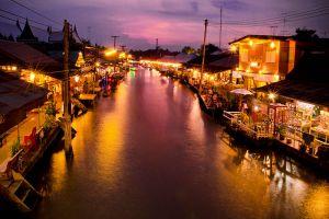 Amphawa-Floating-Market-Samut-Songkhram-Thailand-001.jpg