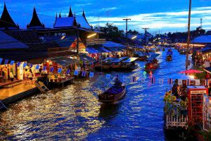 Amphawa-Floating-Market-Samut-Songkhram-Thailand-002.jpg