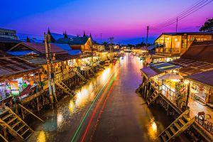 Amphawa-Floating-Market-Samut-Songkhram-Thailand-004.jpg