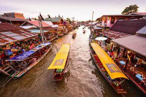 Amphawa-Floating-Market-Samut-Songkhram-Thailand-005.jpg