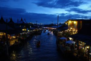Amphawa-Floating-Market-Samut-Songkhram-Thailand-006.jpg