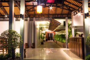 Amra-Angkor-Hotel-Siem-Reap-Cambodia-Lobby.jpg