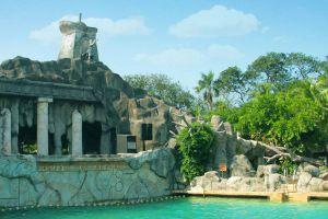 Ancol-Dreamland-Jakarta-Indonesia-007.jpg