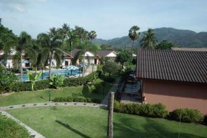 Andaman-Seaside-Resort-Phuket-Thailand-Garden.jpg