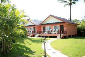Andaman-Seaside-Resort-Phuket-Thailand-Villa.jpg