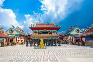 Anek-Kusala-Sala-Viharn-Sien-Chonburi-Thailand-01.jpg