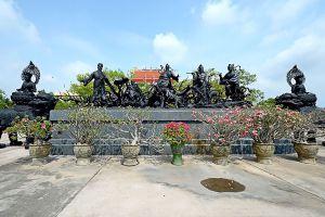 Anek-Kusala-Sala-Viharn-Sien-Chonburi-Thailand-03.jpg