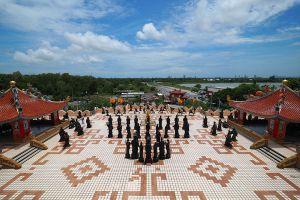 Anek-Kusala-Sala-Viharn-Sien-Chonburi-Thailand-07.jpg