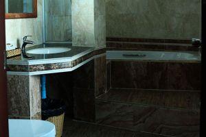 Angkor-Comfort-Hotel-Battambang-Cambodia-Bathroom.jpg