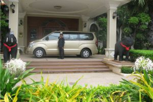 Angkor-Holiday-Hotel-Siem-Reap-Cambodia-Entrance.jpg