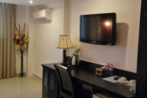 Angkor-International-Hotel-Phnom-Penh-Cambodia-Living-Room.jpg