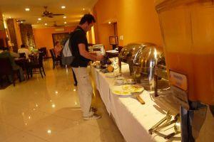 Angkor-International-Hotel-Phnom-Penh-Cambodia-Restaurant.jpg