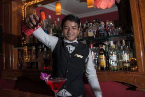 Angkor-Pearl-Hotel-Siem-Reap-Cambodia-Bar.jpg