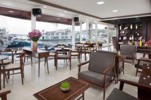 Aphrodite-Cruises-Halong-Vietnam-Lobby.jpg
