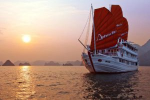 Aphrodite-Cruises-Halong-Vietnam-Overview.jpg