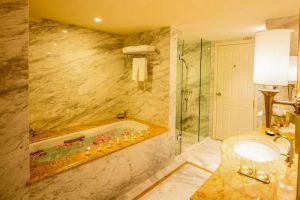 Apricot-Hotel-Hanoi-Vietnam-Bathroom.jpg