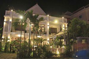 Apsara-Centrepole-Hotel-Siem-Reap-Cambodia-Exterior.jpg