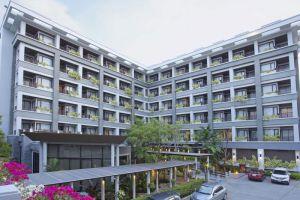 Areca-Lodge-Hotel-Pattaya-Thailand-Facade.jpg