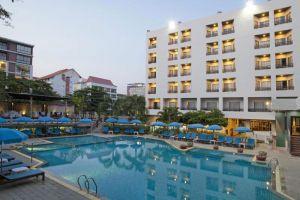 Areca-Lodge-Hotel-Pattaya-Thailand-Pool.jpg