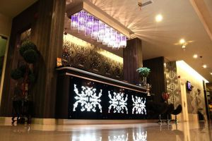 Arenaa-Deluxe-Hotel-Melaka-Reception.jpg