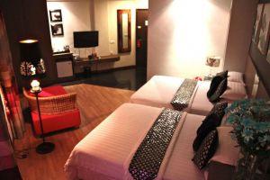 Arenaa-Deluxe-Hotel-Melaka-Room-Premier.jpg