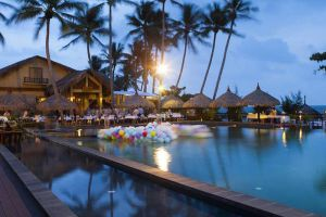 Aroma-Beach-Resort-Spa-Phan-Thiet-Vietnam-Pool.jpg