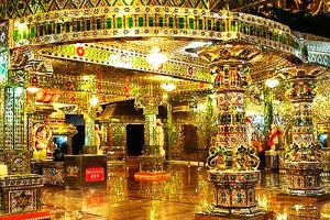 Arulmigu-Sri-Rajakaliamman-Glass-Temple-Johor-Bahru-Malaysia-002.jpg