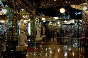 Arulmigu-Sri-Rajakaliamman-Glass-Temple-Johor-Bahru-Malaysia-004.jpg